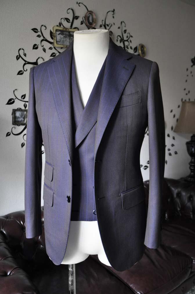 DSC0241-5 私のスーツの紹介-SCABAL TORNADO ネイビーブラウン ストライプ 襟付きダブルジレのスリーピース-