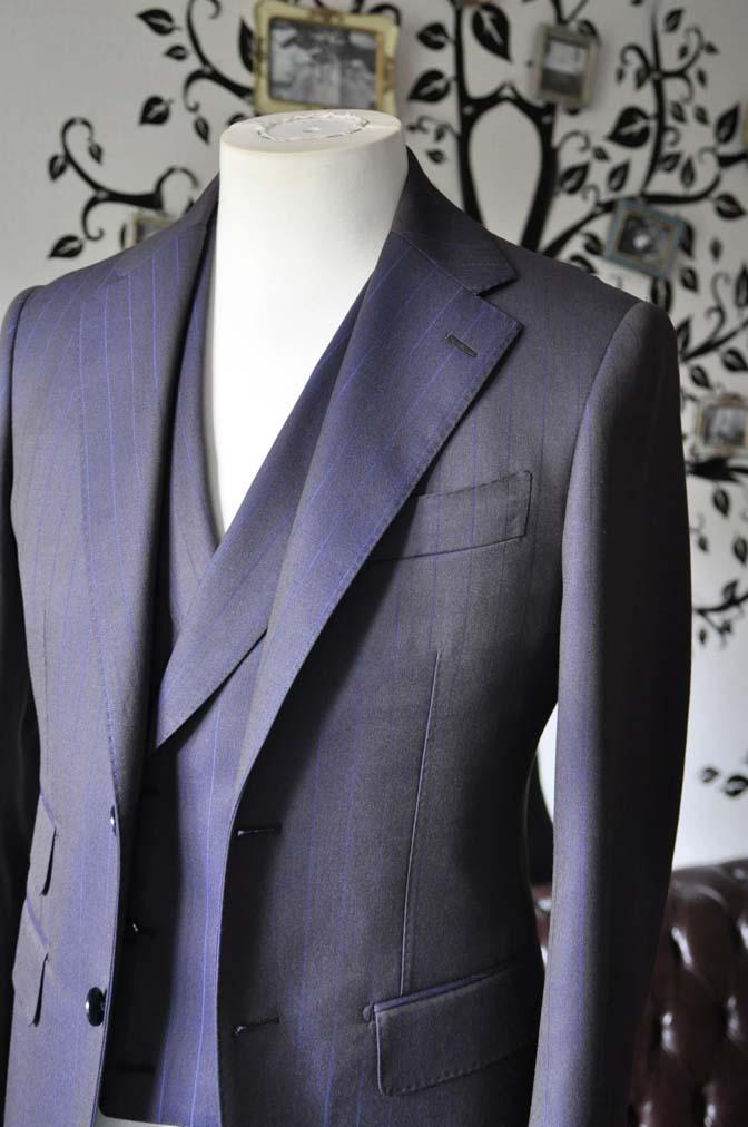 DSC0242-5 私のスーツの紹介-SCABAL TORNADO ネイビーブラウン ストライプ 襟付きダブルジレのスリーピース-