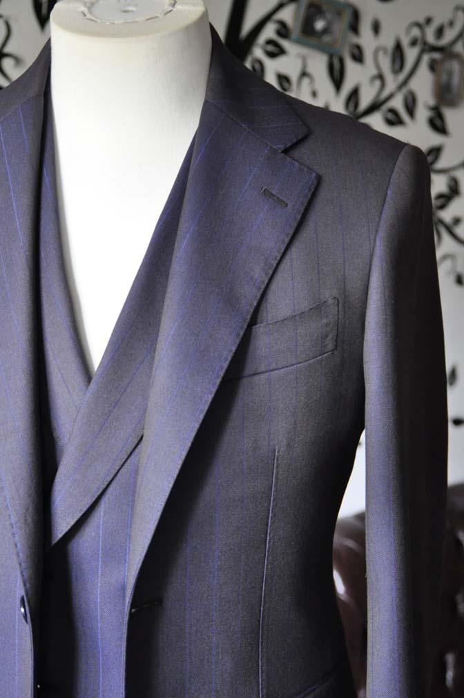 DSC0243-5 私のスーツの紹介-SCABAL TORNADO ネイビーブラウン ストライプ 襟付きダブルジレのスリーピース-