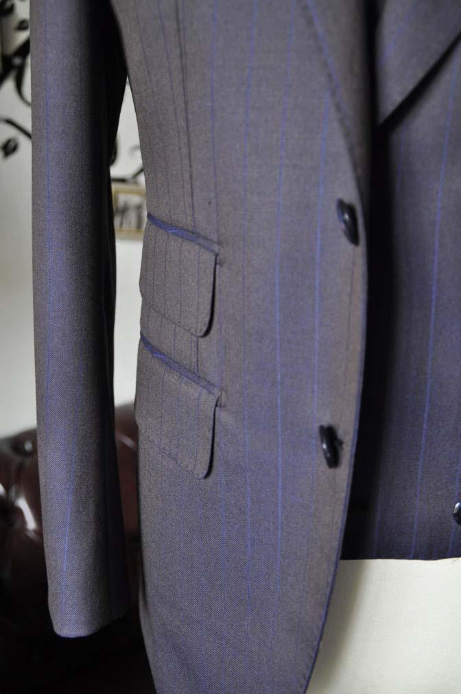 DSC0248-4 私のスーツの紹介-SCABAL TORNADO ネイビーブラウン ストライプ 襟付きダブルジレのスリーピース-