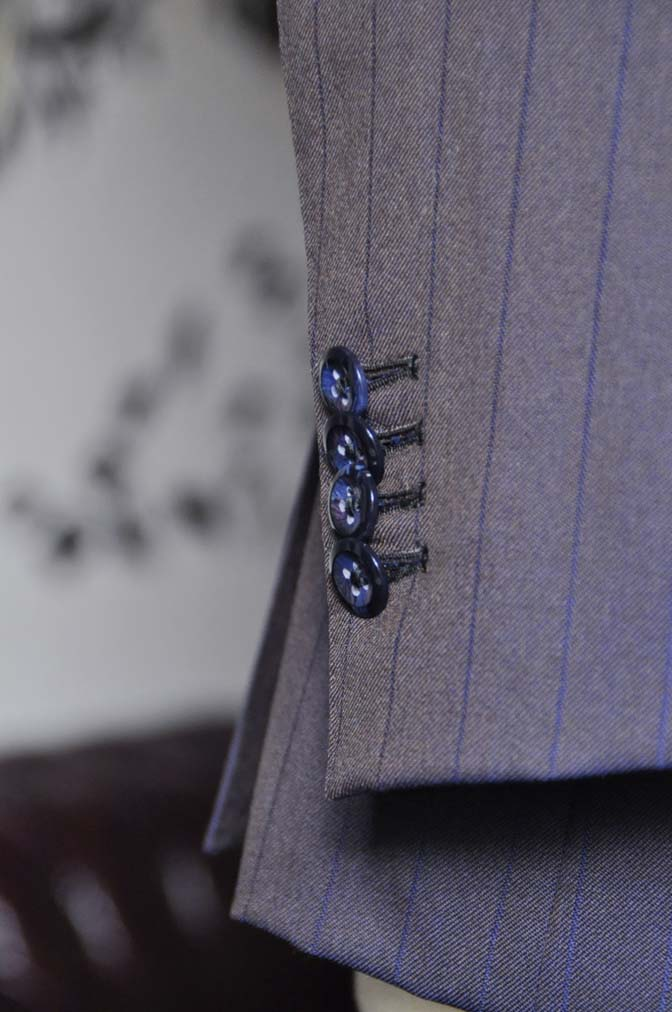 DSC0249-5 私のスーツの紹介-SCABAL TORNADO ネイビーブラウン ストライプ 襟付きダブルジレのスリーピース-