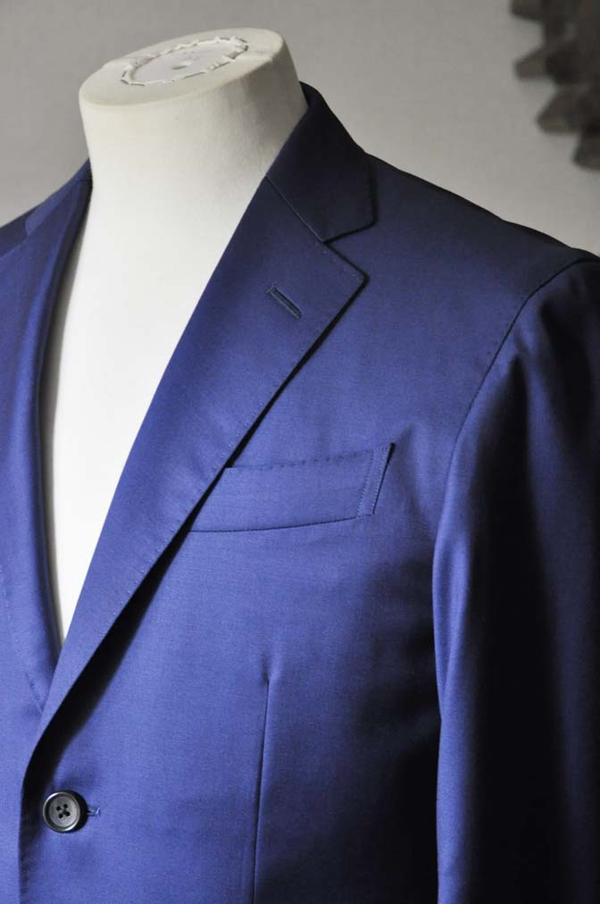 DSC0251 お客様のスーツの紹介- Biellesi 無地ネイビースーツ-