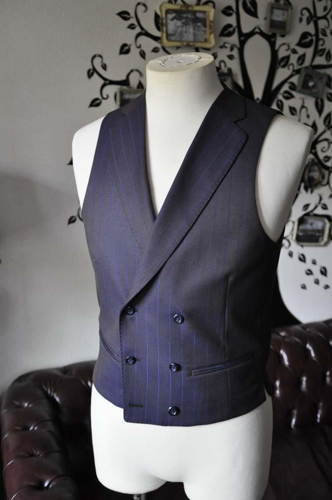 DSC0254-5 私のスーツの紹介-SCABAL TORNADO ネイビーブラウン ストライプ 襟付きダブルジレのスリーピース-