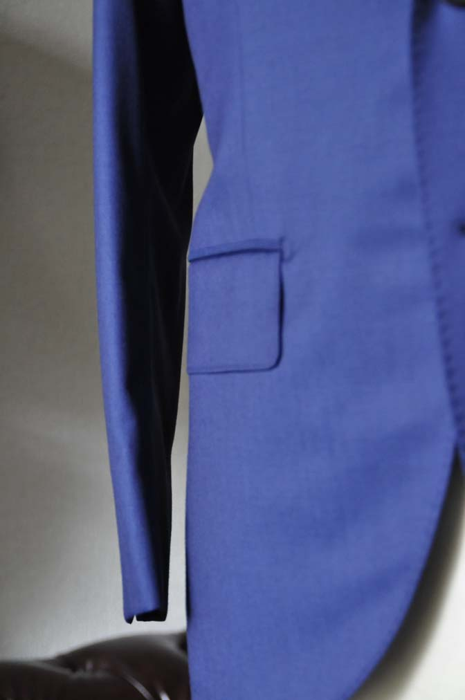 DSC0255-1 お客様のスーツの紹介- Biellesi 無地ネイビースーツ-