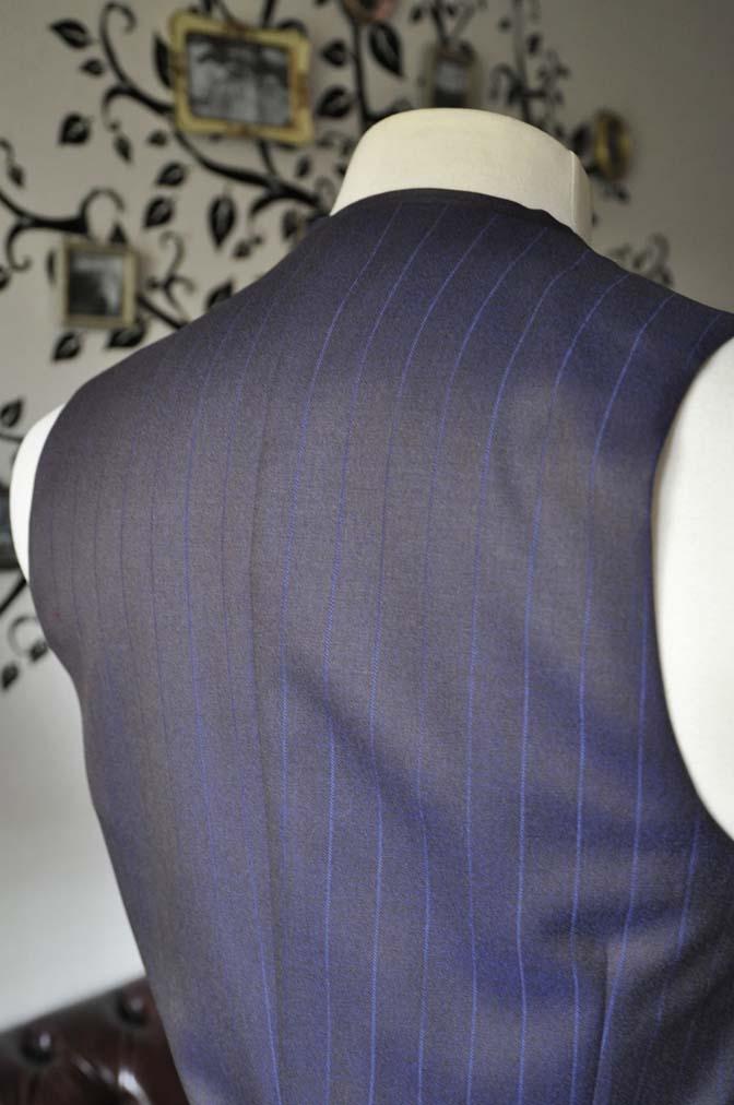 DSC0255-6 私のスーツの紹介-SCABAL TORNADO ネイビーブラウン ストライプ 襟付きダブルジレのスリーピース-