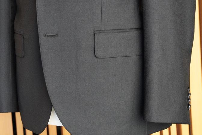 DSC02555 オーダースーツの紹介-CANONICO 無地ブラックスーツ-