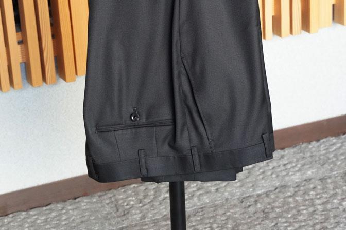 DSC02558 オーダースーツの紹介-CANONICO 無地ブラックスーツ-