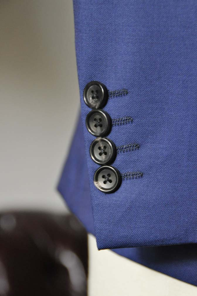 DSC0256-1 お客様のスーツの紹介- Biellesi 無地ネイビースーツ-