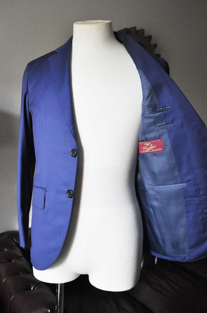 DSC0257-1 お客様のスーツの紹介- Biellesi 無地ネイビースーツ-