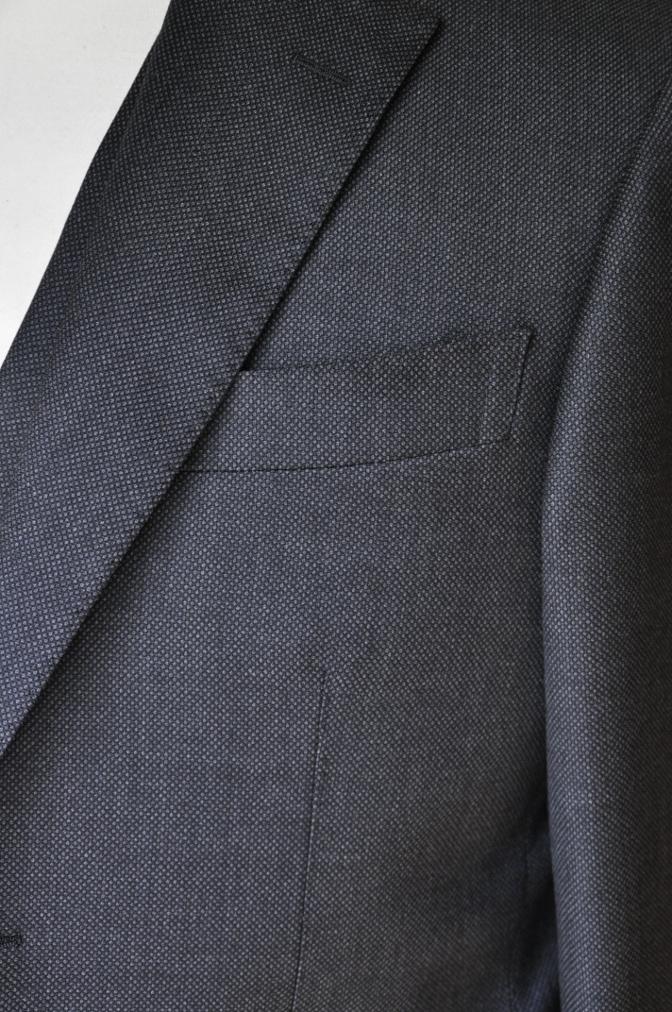 DSC02601 お客様のスーツの紹介- BIELLESI グレーバーズアイ スリーピース- 名古屋の完全予約制オーダースーツ専門店DEFFERT