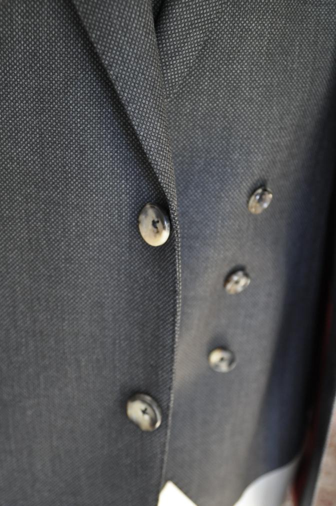 DSC02622 お客様のスーツの紹介- BIELLESI グレーバーズアイ スリーピース- 名古屋の完全予約制オーダースーツ専門店DEFFERT