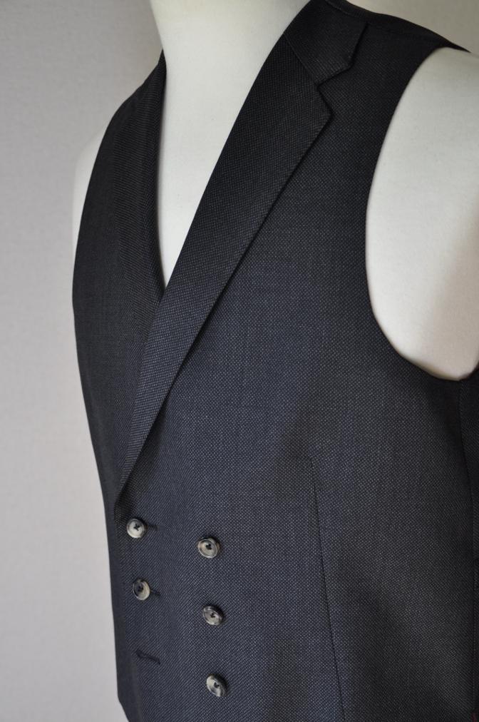 DSC0268 お客様のスーツの紹介- BIELLESI グレーバーズアイ スリーピース-