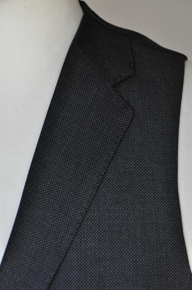 DSC0269 お客様のスーツの紹介- BIELLESI グレーバーズアイ スリーピース- 名古屋の完全予約制オーダースーツ専門店DEFFERT