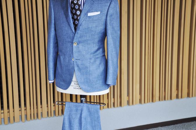 DSC0273-4 オーダースーツの紹介-E.THOMASブルーシルクスーツ-