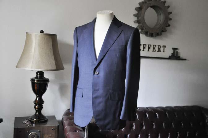 DSC0275-1 お客様のスーツの紹介- Biellesi 無地ネイビースーツ-