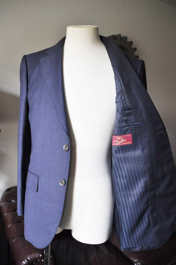 DSC0284-2 お客様のスーツの紹介- Biellesi 無地ネイビースーツ-