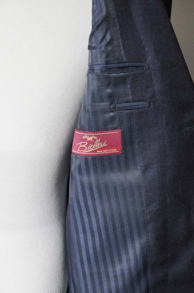 DSC0285-2 お客様のスーツの紹介- Biellesi 無地ネイビースーツ-