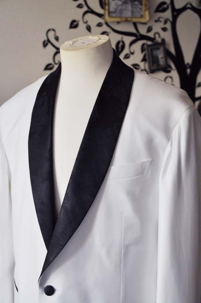 DSC0292-2 お客様のタキシードの紹介- Collezioni Biellesiホワイトショールカラータキシードジャケット、ブラックパンツ-