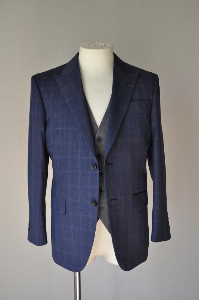 DSC0292 お客様のウエディング衣装の紹介- BIELLESI ネイビーチェックスーツ グレーチェックベスト-