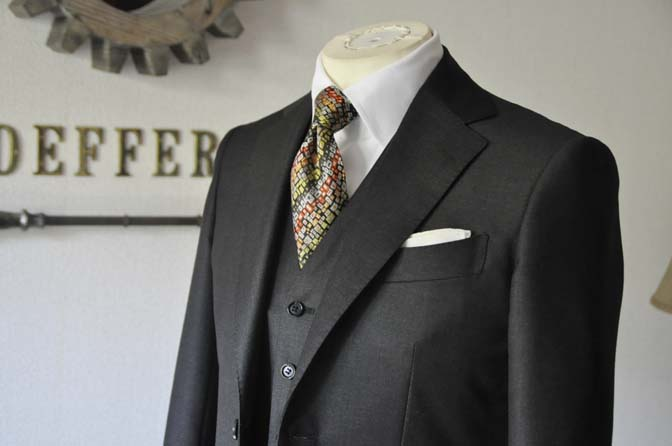 DSC0293-2 お客様のスーツの紹介 名古屋の完全予約制オーダースーツ専門店DEFFERT