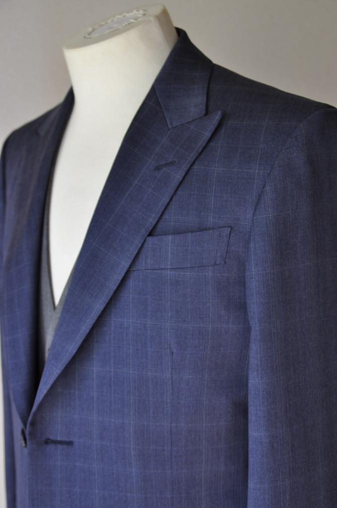 DSC0293 お客様のウエディング衣装の紹介- BIELLESI ネイビーチェックスーツ グレーチェックベスト-