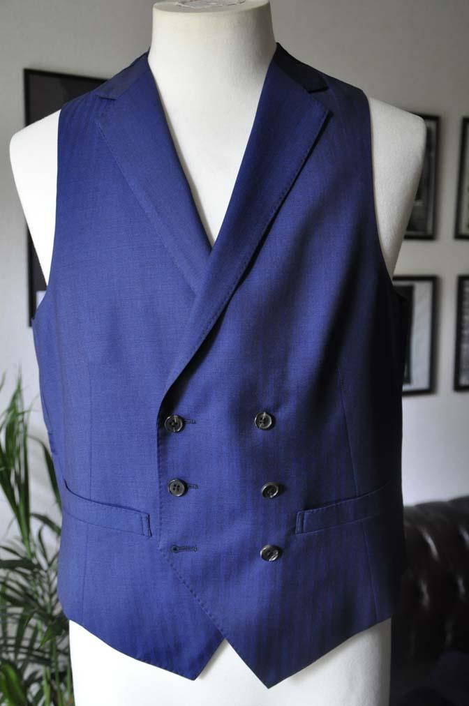 DSC02931 お客様のスーツの紹介-Biellesi ネイビーヘリンボーン スリーピース- 名古屋の完全予約制オーダースーツ専門店DEFFERT