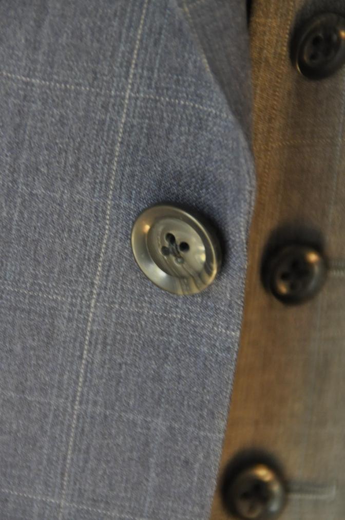 DSC0298 お客様のウエディング衣装の紹介- BIELLESI ネイビーチェックスーツ グレーチェックベスト- 名古屋の完全予約制オーダースーツ専門店DEFFERT