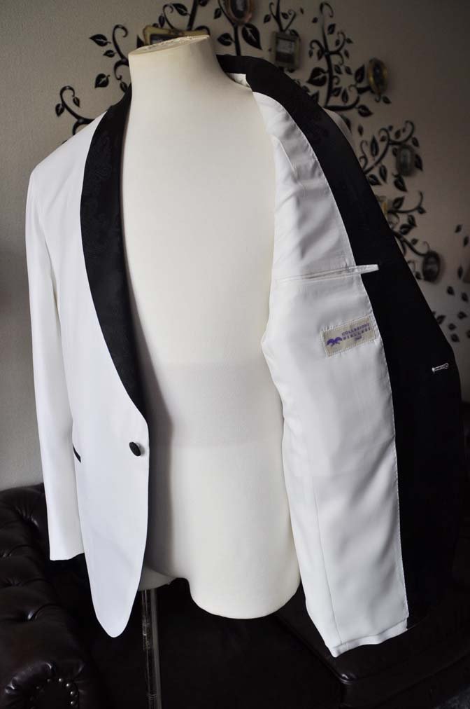 DSC0299-2 お客様のタキシードの紹介- Collezioni Biellesiホワイトショールカラータキシードジャケット、ブラックパンツ-