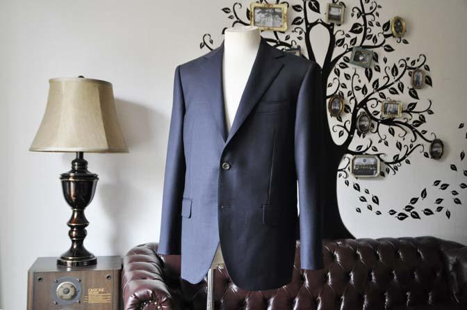 DSC0300-3 お客様のスーツの紹介-DORMEUIL ROYALネイビーウィンドペン スーツ-