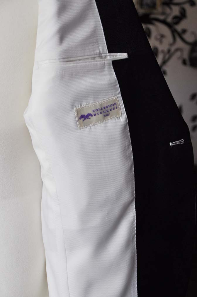 DSC0300-4 お客様のタキシードの紹介- Collezioni Biellesiホワイトショールカラータキシードジャケット、ブラックパンツ-