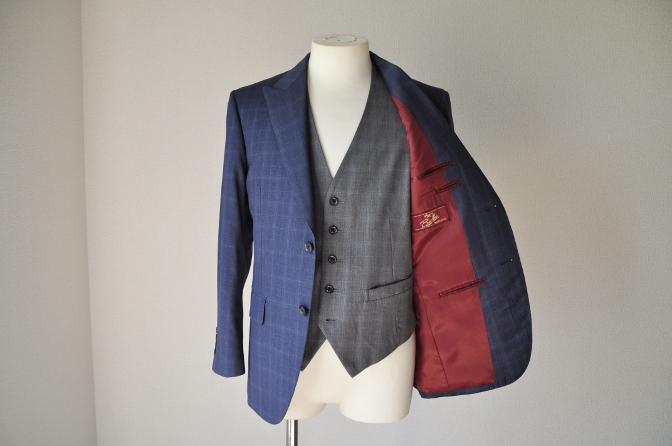 DSC0301 お客様のウエディング衣装の紹介- BIELLESI ネイビーチェックスーツ グレーチェックベスト-