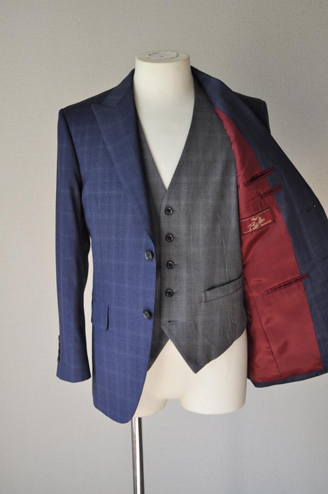 DSC0302 お客様のウエディング衣装の紹介- BIELLESI ネイビーチェックスーツ グレーチェックベスト-