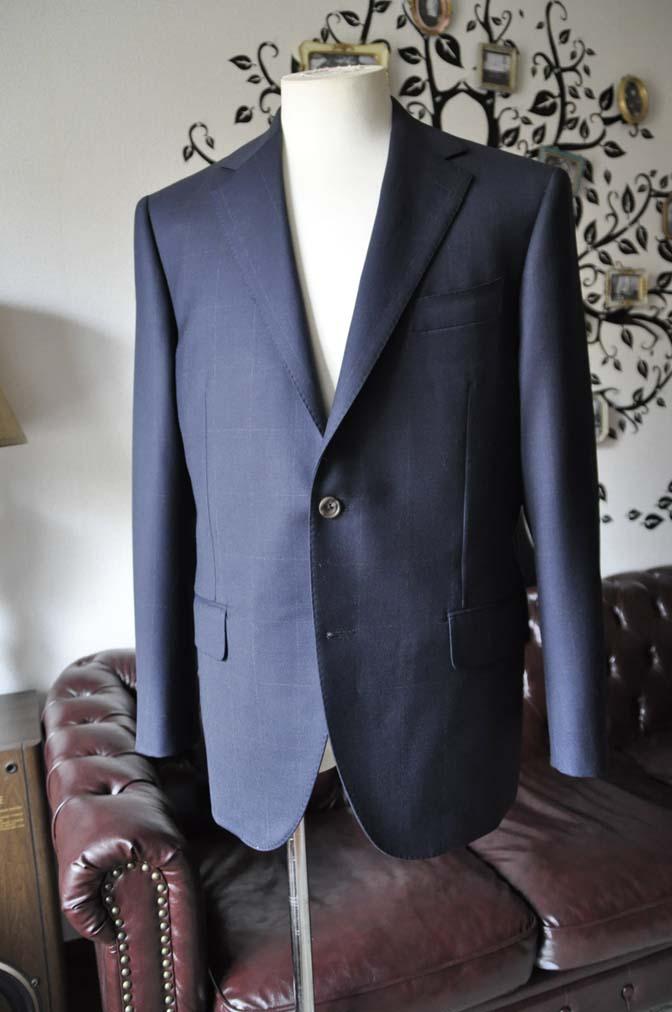 DSC0303-5 お客様のスーツの紹介-DORMEUIL ROYALネイビーウィンドペン スーツ-