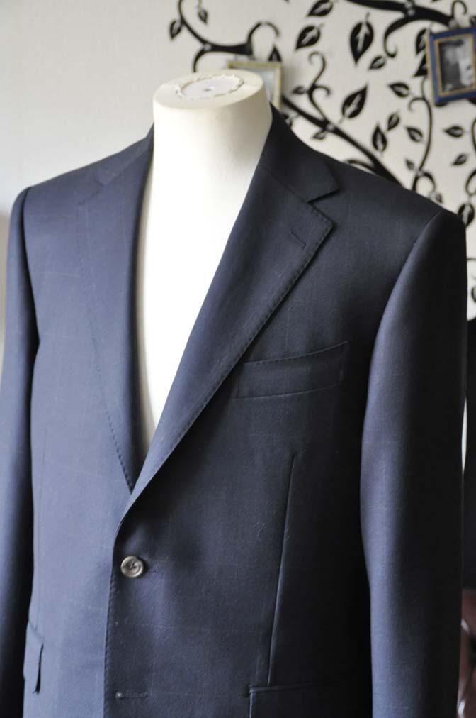 DSC0304-3 お客様のスーツの紹介-DORMEUIL ROYALネイビーウィンドペン スーツ-