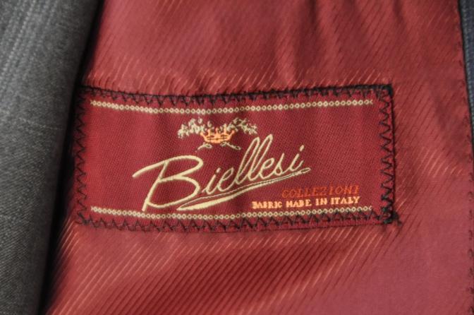 DSC03041 お客様のウエディング衣装の紹介- BIELLESI ネイビーチェックスーツ グレーチェックベスト-