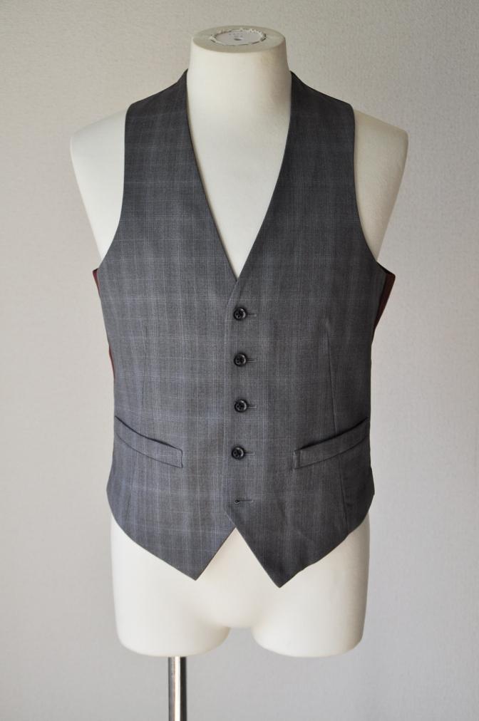 DSC0305 お客様のウエディング衣装の紹介- BIELLESI ネイビーチェックスーツ グレーチェックベスト-
