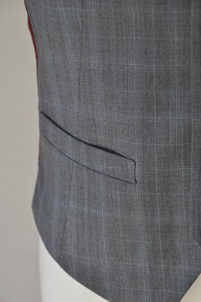 DSC03071 お客様のウエディング衣装の紹介- BIELLESI ネイビーチェックスーツ グレーチェックベスト-