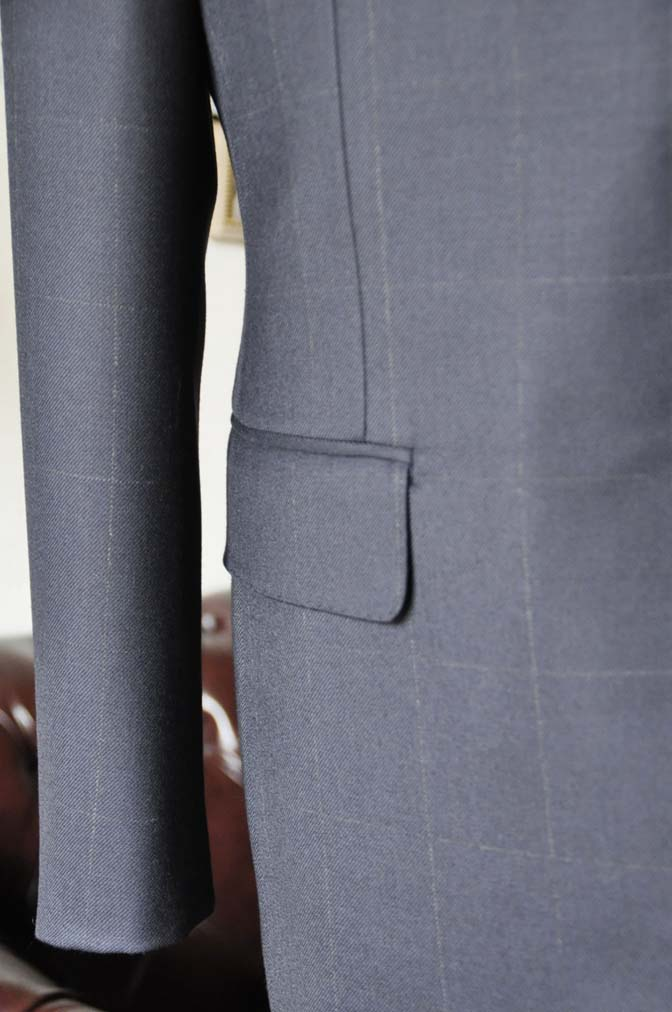 DSC0310-2 お客様のスーツの紹介-DORMEUIL ROYALネイビーウィンドペン スーツ-