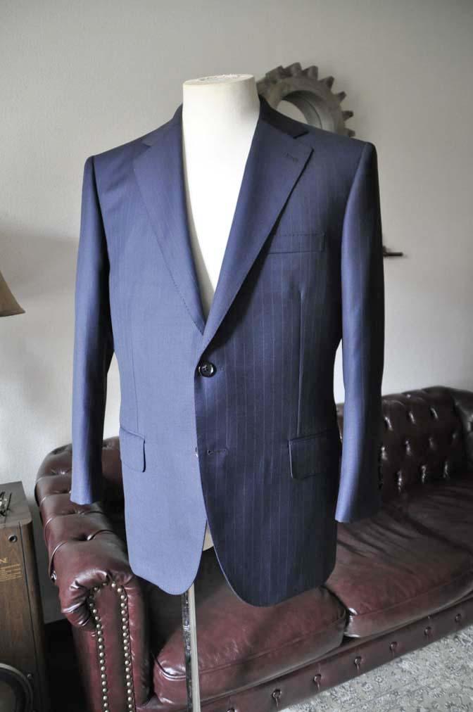 DSC0318-2 お客様のスーツの紹介- 御幸毛織 ネイビーストライプスーツ-