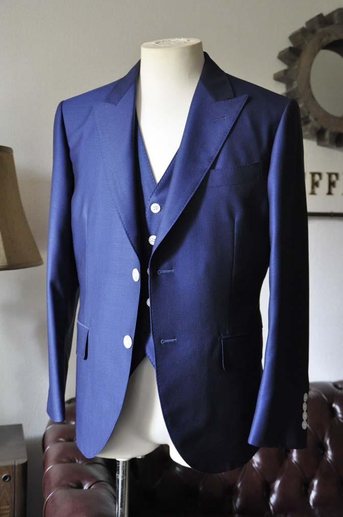 DSC0320-1 お客様のウエディング衣装の紹介-Biellesi ネイビースリーピース-DSC0320-1 お客様のウエディング衣装の紹介-Biellesi ネイビースリーピース- 名古屋市のオーダータキシードはSTAIRSへ