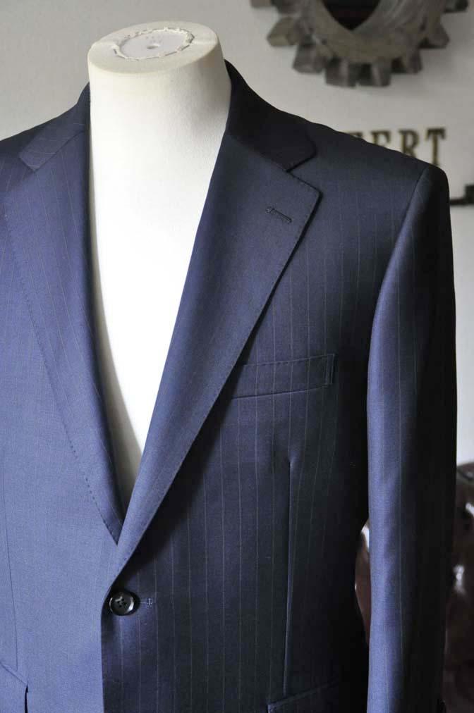 DSC0322-5 お客様のスーツの紹介- 御幸毛織 ネイビーストライプスーツ-