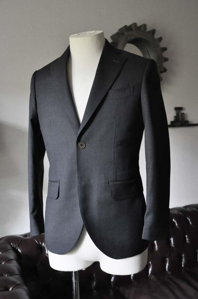 DSC0324-3 お客様のスーツの紹介- Biellesi チャコールグレーヘリンボーンスーツ-