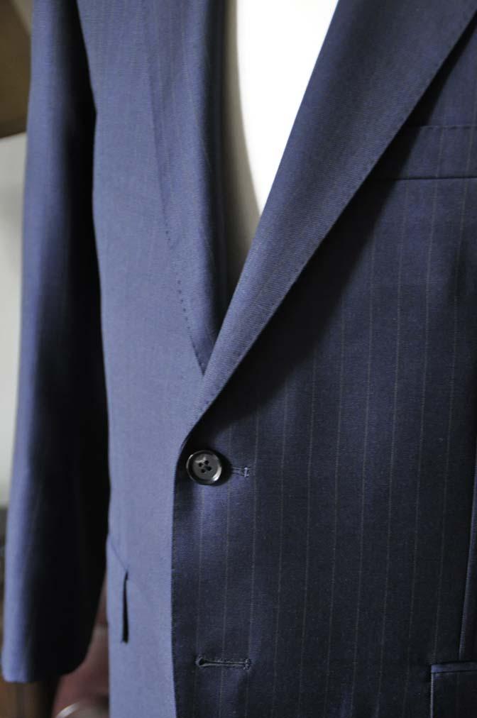 DSC0325-4 お客様のスーツの紹介- 御幸毛織 ネイビーストライプスーツ-
