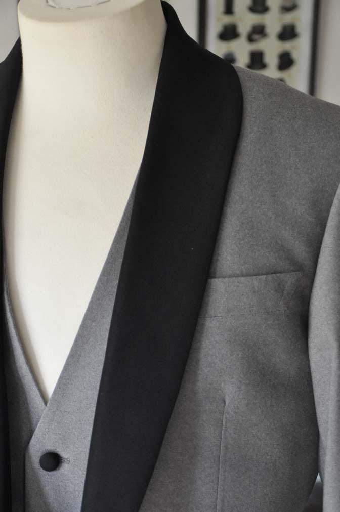DSC0326-1 お客様のウエディング衣装の紹介- グレーショールカラータキシード-