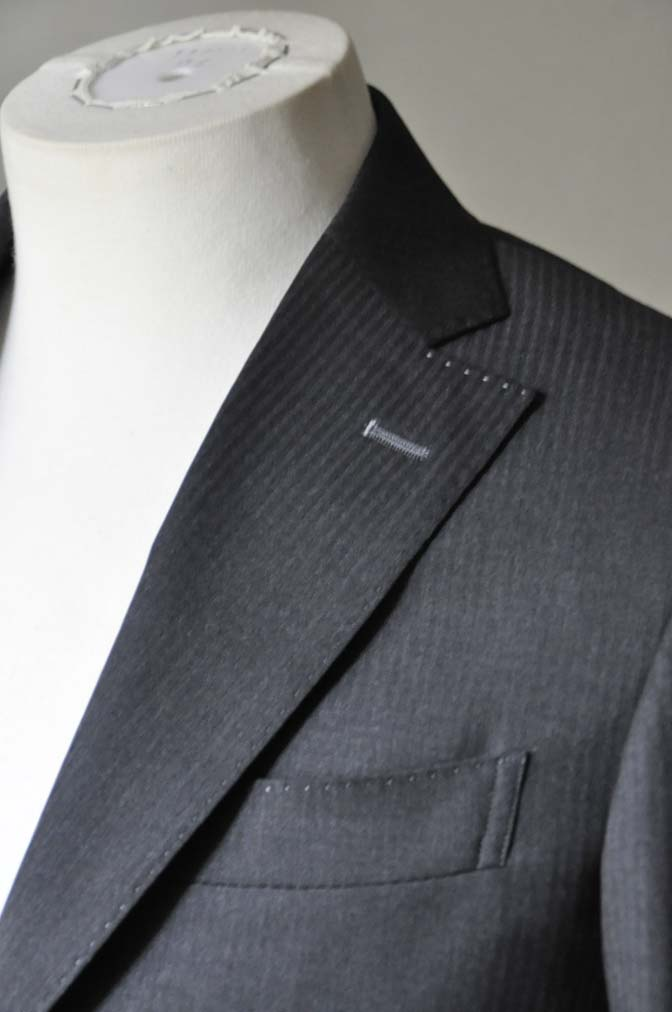 DSC0326-3 お客様のスーツの紹介- Biellesi チャコールグレーヘリンボーンスーツ-