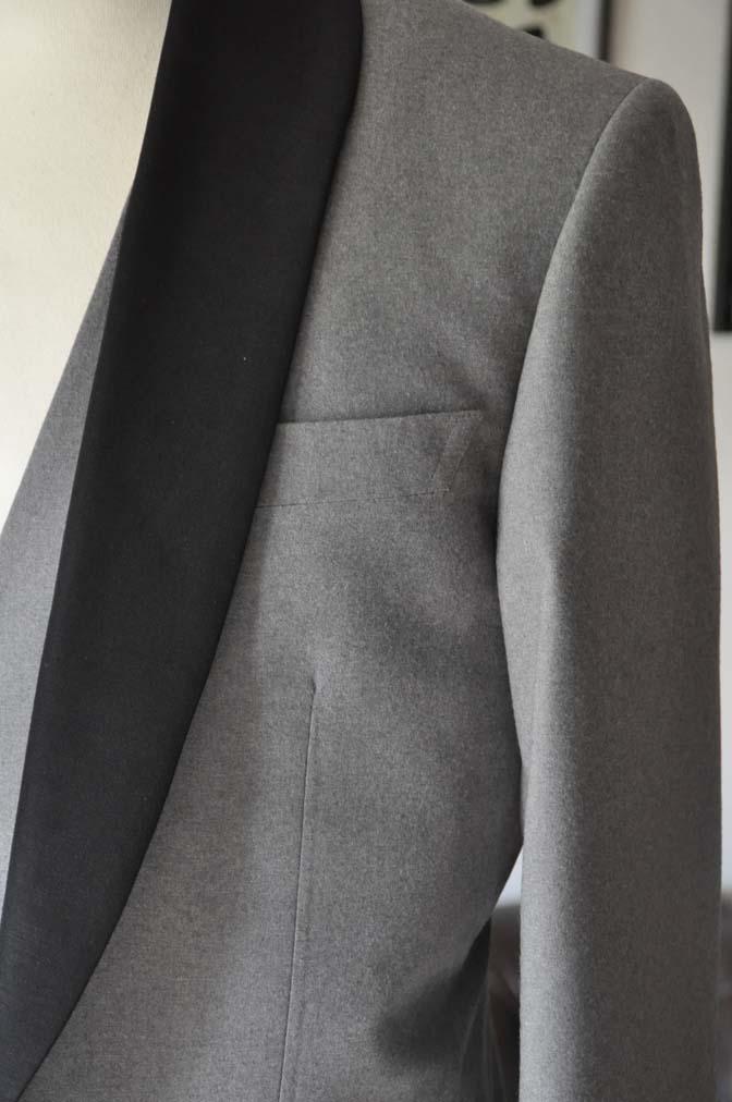 DSC0327-1 お客様のウエディング衣装の紹介- グレーショールカラータキシード-
