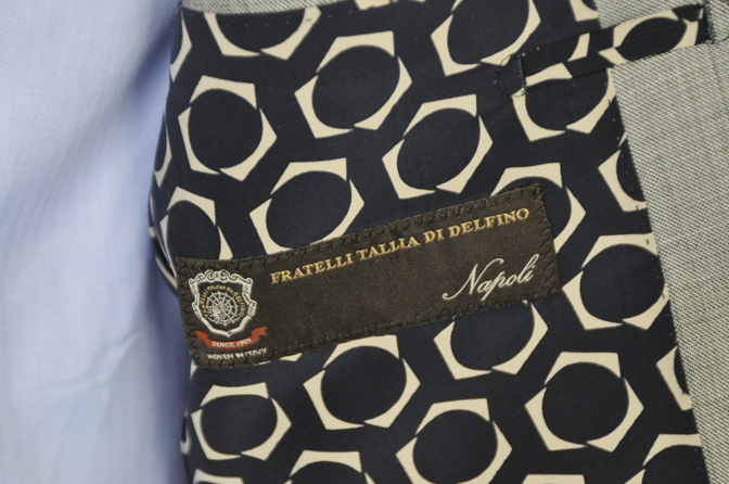 DSC0330-4 オーダースーツの紹介-TALLIA DI DELFINO グレーシャークスキン スーツ-