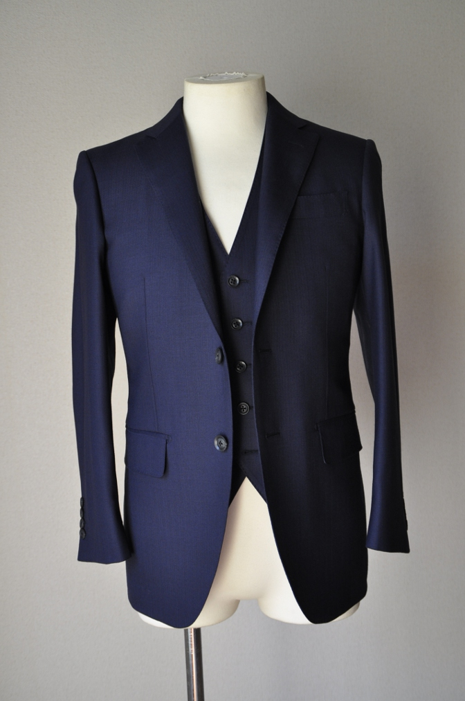 DSC03303 お客様のスーツの紹介-ネイビーヘリンボーンスリーピース- 名古屋の完全予約制オーダースーツ専門店DEFFERT