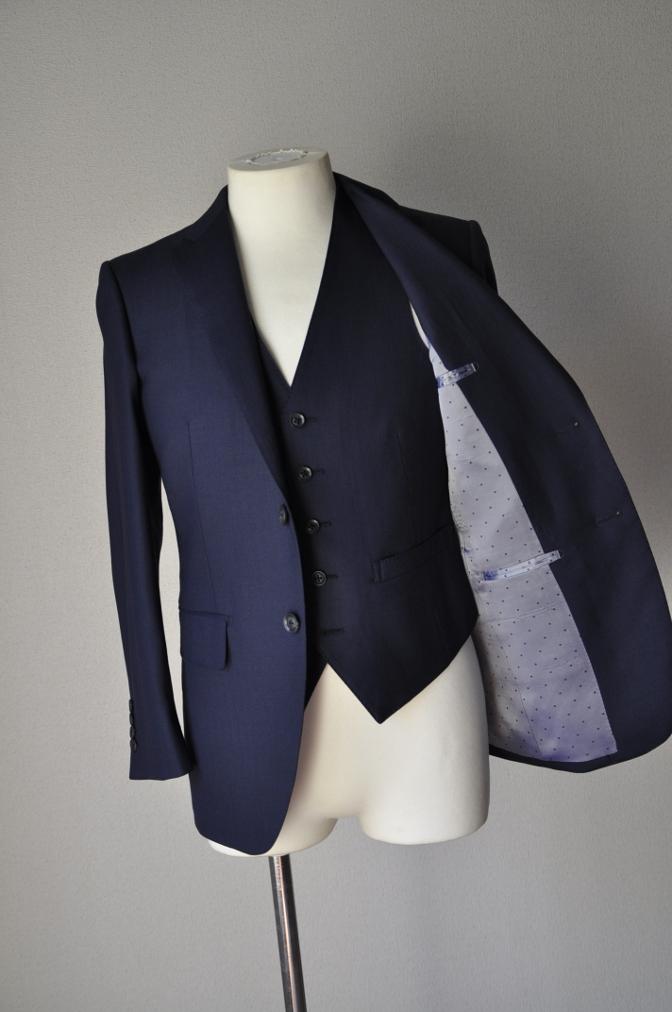 DSC03313 お客様のスーツの紹介-ネイビーヘリンボーンスリーピース- 名古屋の完全予約制オーダースーツ専門店DEFFERT