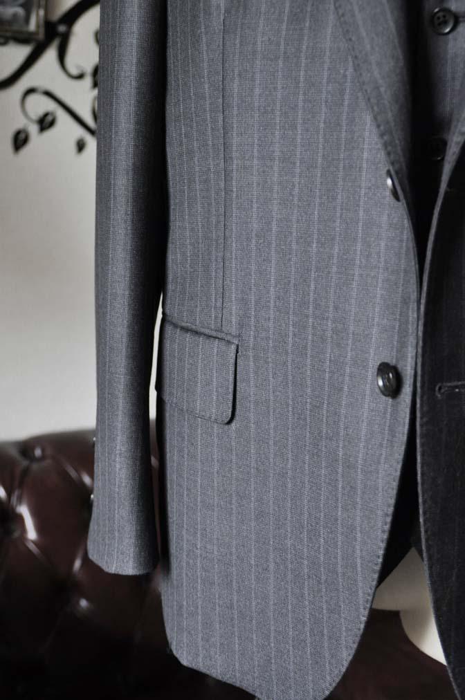 DSC0334-1 お客様のスーツの紹介-Ermenegild Zegnaグレーストライプ スリーピース- 名古屋の完全予約制オーダースーツ専門店DEFFERT